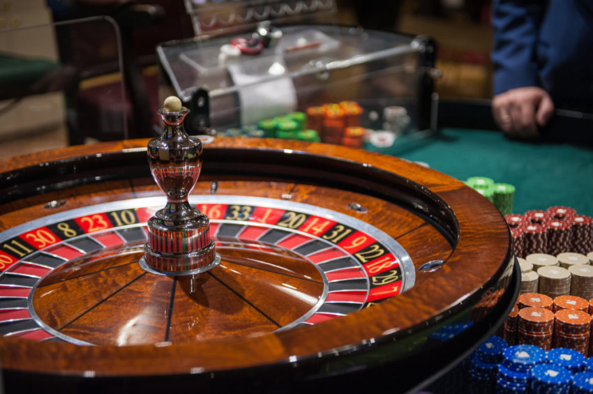 How To Show Online Casino Higher Than Anyone Else